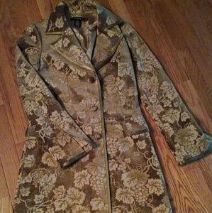 Beautiful Arden B stylish coat.